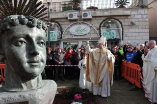 Tommaso Caputo inaugura opera Lello Esposito Afragola